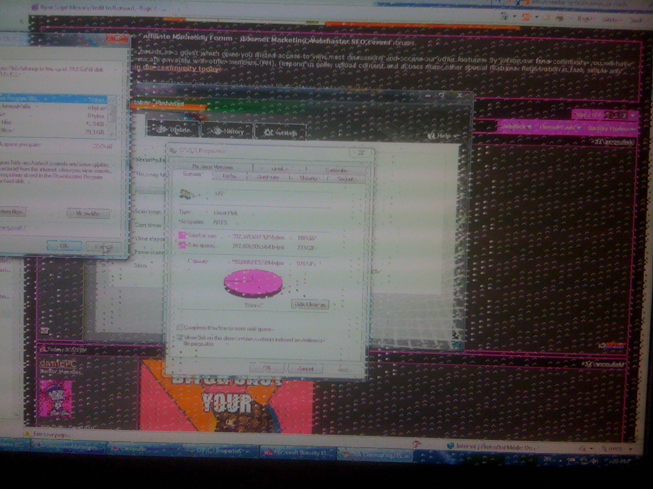 Pixelated Screen and Unexpected Crash - Windows 7 - Picture